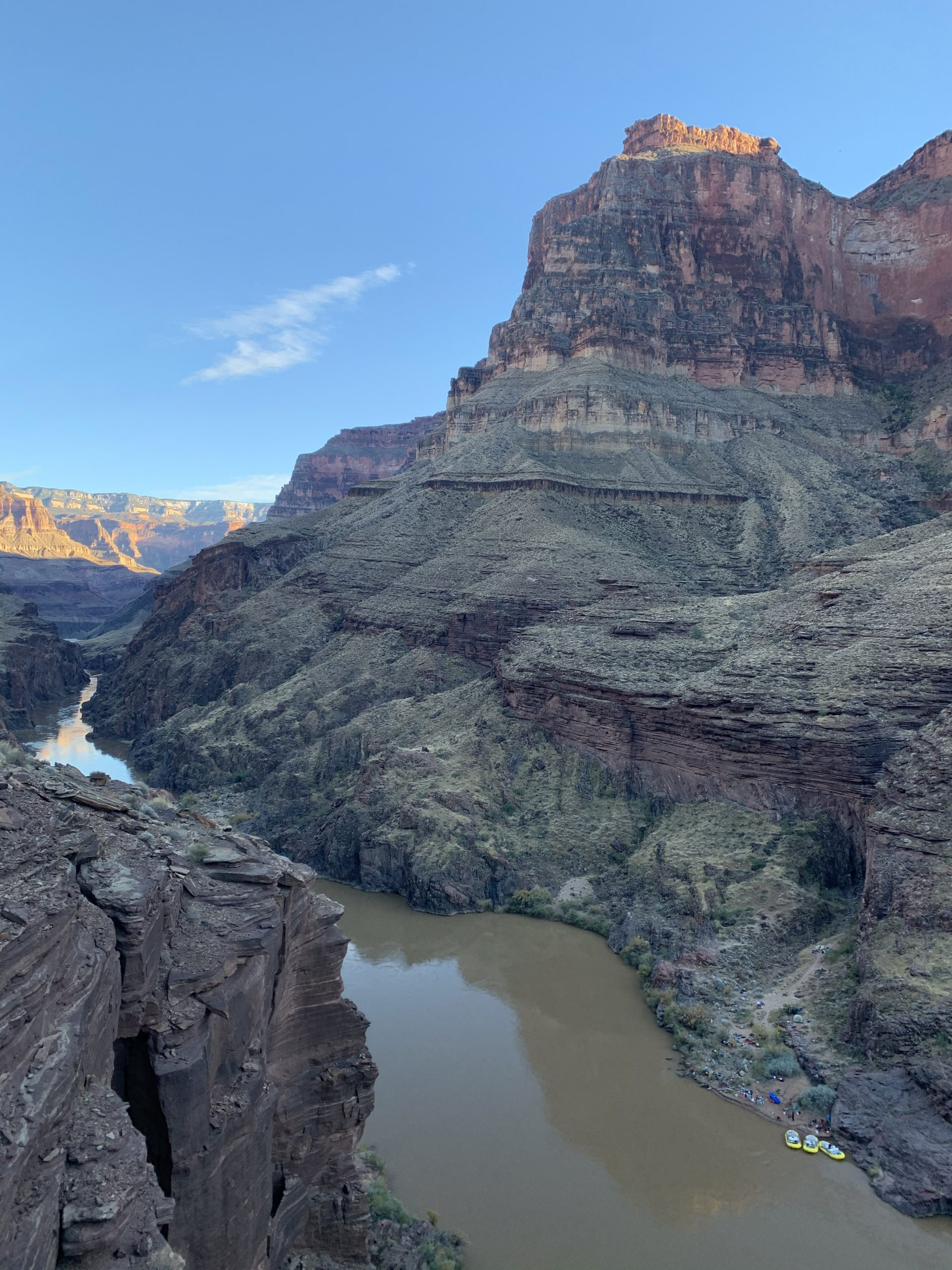 Looking into the grand canyon from the top of deer creek